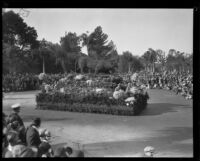 """University of Pittsburgh Panther"" float in the Tournament of Roses Parade, Pasadena, 1930"