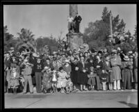 Spectators in front of the Goodhue Flagpole at the Tournament of Roses Parade, Pasadena, 1932