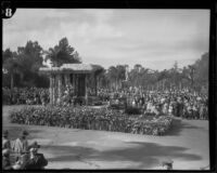 """Tulane"" float in the Tournament of Roses Parade, Pasadena, 1932"