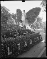 """Queen Titania"" float in the Tournament of Roses Parade, Pasadena, 1933"