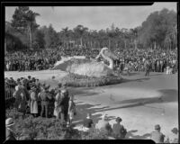 """Pelican"" float in the Tournament of Roses Parade, Pasadena, 1935"