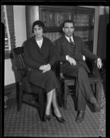 Elliot B. Thomas and his wife Olive Thomas await his trial, Los Angeles, 1932