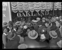 Hayward Thompson impresses crowd with blindfolded stunts, Pasadena, 1927