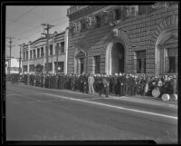 Crowd gathered for funeral services of William Traeger at Patriotic Hall, Los Angeles, 1935