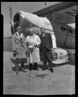 Colonel Roscoe Turner, Governor Fred Balzar, and Governor James Rolph briefly stop in Los Angeles, 1932