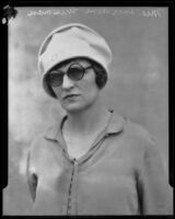 Lorraine Wiseman wearing sunglasses, Los Angeles, 1926