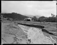 Mudslide area with damaged homes, La Crescenta-Montrose, 1934