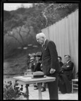 William May Garland addressing audience at Norumbega Canyon Preventorium, Monrovia, 1934