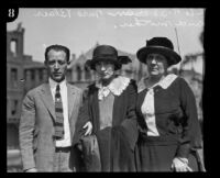 S.S. Hahn with Jane Blair and her mother, Los Angeles, 1923