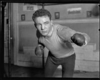 Boxer Alex Hart ready to throw a punch, Vernon, 1925
