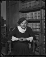 Lola Lane divorces husband Lew Ayres, Los Angeles, 1933