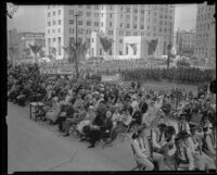 Spectators gather at City Hall to commemorate 151st anniversary of settlers in Los Angeles, 1932