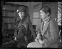 Helen Wilkinson comforts Dorothy Mackaye during murder trial, Los Angeles, 1927