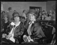 Minnie Kennedy and Aimee Semple McPherson in court, Los Angeles, 1926