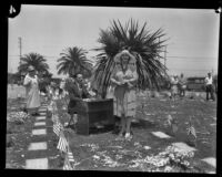 Memorial Day ceremonies at a cemetery, Los Angeles, 1929