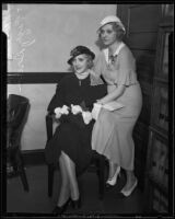 Kathryn Carver at divorce suit with sister Peggy Drum, Los Angeles, 1933