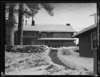 Snow-covered homes in Mount Wilson colony, Mount Wilson, ca. 1927