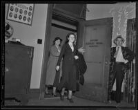 Margaret Fontaine Porter charged for aiding bank robbery, Los Angeles, 1935