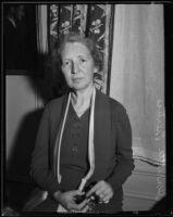 Henrietta Prentiss comes to Los Angeles, 1932