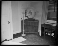 Windemere Hotel hotel room, Santa Monica, 1955