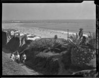 Women on the Idaho path to Palisades Park, Santa Monica, 1945-49