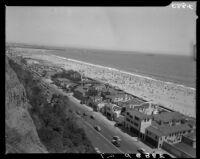 Beach houses at Santa Monica Beach along the Pacific Coast Highway, Santa Monica, circa 1950