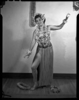Barbara Lee Tramutto in Hawaiian-style costume, Santa Monica, 1951