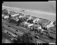 Beach houses at Santa Monica Beach along the Pacific Coast Highway, Santa Monica, 1930-1945