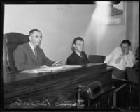 James Pemberton, witness in Mary Emma James murder case, on witness stand, Los Angeles, 1935