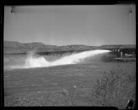 Los Angeles aqueduct, section of pipe and flooded area, Inyo County, 1924