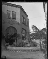 La Arcada courtyard, Santa Barbara, [1926?]