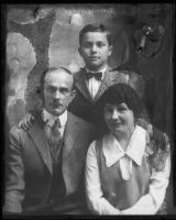 Kidnapping victim Frank Baumgarteker and family, [1920s], rephotographed 1929