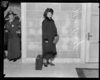 Soprano Constance Balfour and Soroptimist Club member Annie Colburn, [1926?]