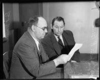 Los Angeles police officer Bert Wallis and murder investigation witness John R. Binan, [Los Angeles?], 1935