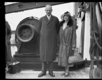 Viscount Julian Hedworth Byng and his wife Evelyn vacation in America, San Pedro, 1935