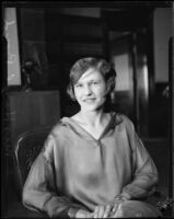 Hazel Boyd at court to obtain a divorce, Los Angeles, 1926