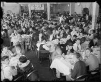 Los Angeles Newsboys' Club serves Christmas dinner, 1934