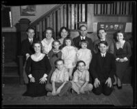 Cheap family with thirteen children, Los Angeles, 1933