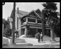 Detectives investigate explosion at Japanese Consul Ken Wakasugi's home, Los Angeles, 1925