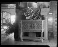 Interior of the Otis Art Institute during a student exhibition (?), Los Angeles, between 1918-1939