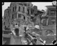 Earthquake-damaged Huntington Hotel, Pasadena, 1933
