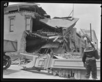 Earthquake-damaged commercial building at State and Figueroa Streets, Santa Barbara, 1925