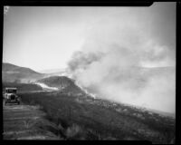 Smoke reaching the US 99 during the National Forest Inn fire, California, 1932
