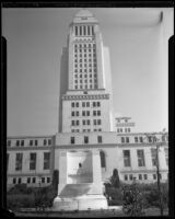 Frank Putnam Flint memorial fountain in front of City Hall, Los Angeles, 1933