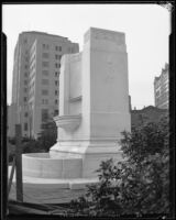 Frank Putnam Flint memorial fountain (unfinished) in front of City Hall, Los Angeles, 1933