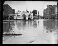 Rain-flooded intersection at Sixth and Catalina Streets, Los Angeles, 1927