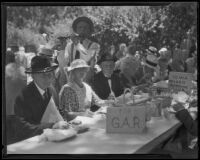 Couples seated at the Iowa Golden Wedding Club table at the annual Iowa Association picnic at Bixby Park, Long Beach, 1935