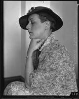 Lillian Smith seated in profile at the Municipal Court, Los Angeles, 1935