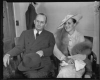 Lillian L. Smith and attorney Robert E. Mulroney in court, Los Angeles, 1935