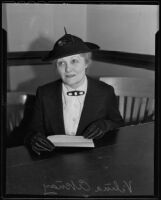 Vilma Aknay appears in court, Los Angeles, 1936
